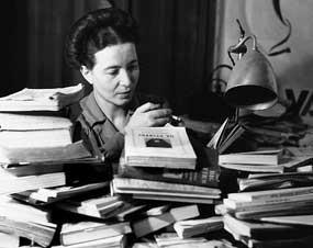 Simone de Beauvoir foi tachada de